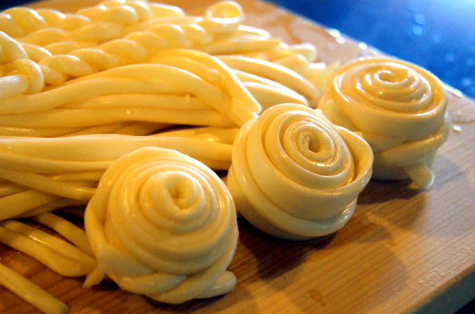 Choć patrząc na to, co Słowacy potrafią zrobić z owczego sera, nie dziwne że się skusił