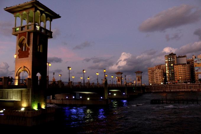 W Aleksandrii można zrobić ładne zdjęcie. Wystarczy że zajdzie słońce.