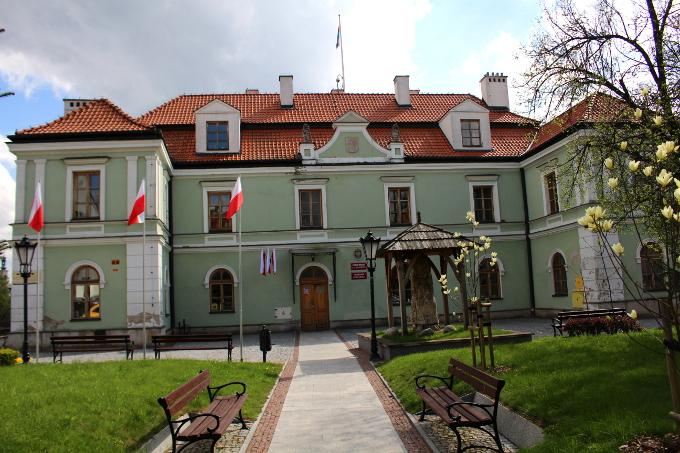 urząd miasta sąd